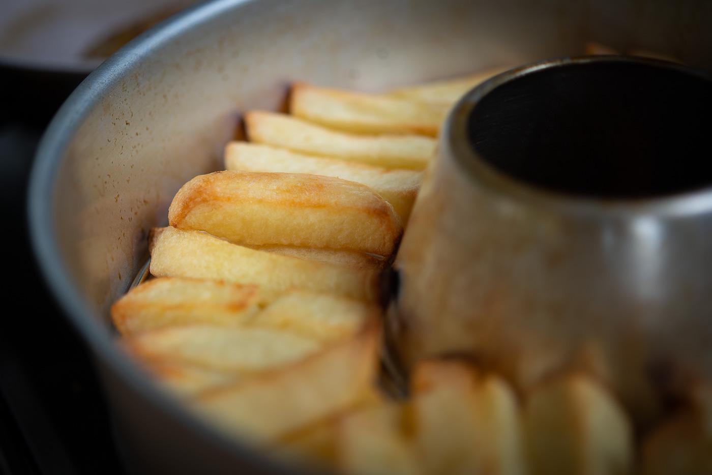 Att göra perfekta pommes i en Omnia ugn | mat.
